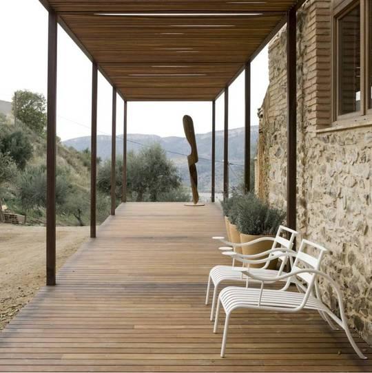 Pergola métallique et terrasse en Gaïac